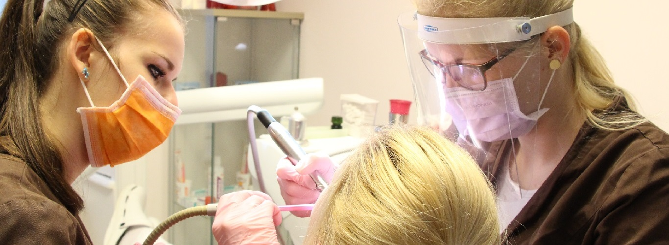 Mundhygiene Dentall4one Zahnklinik